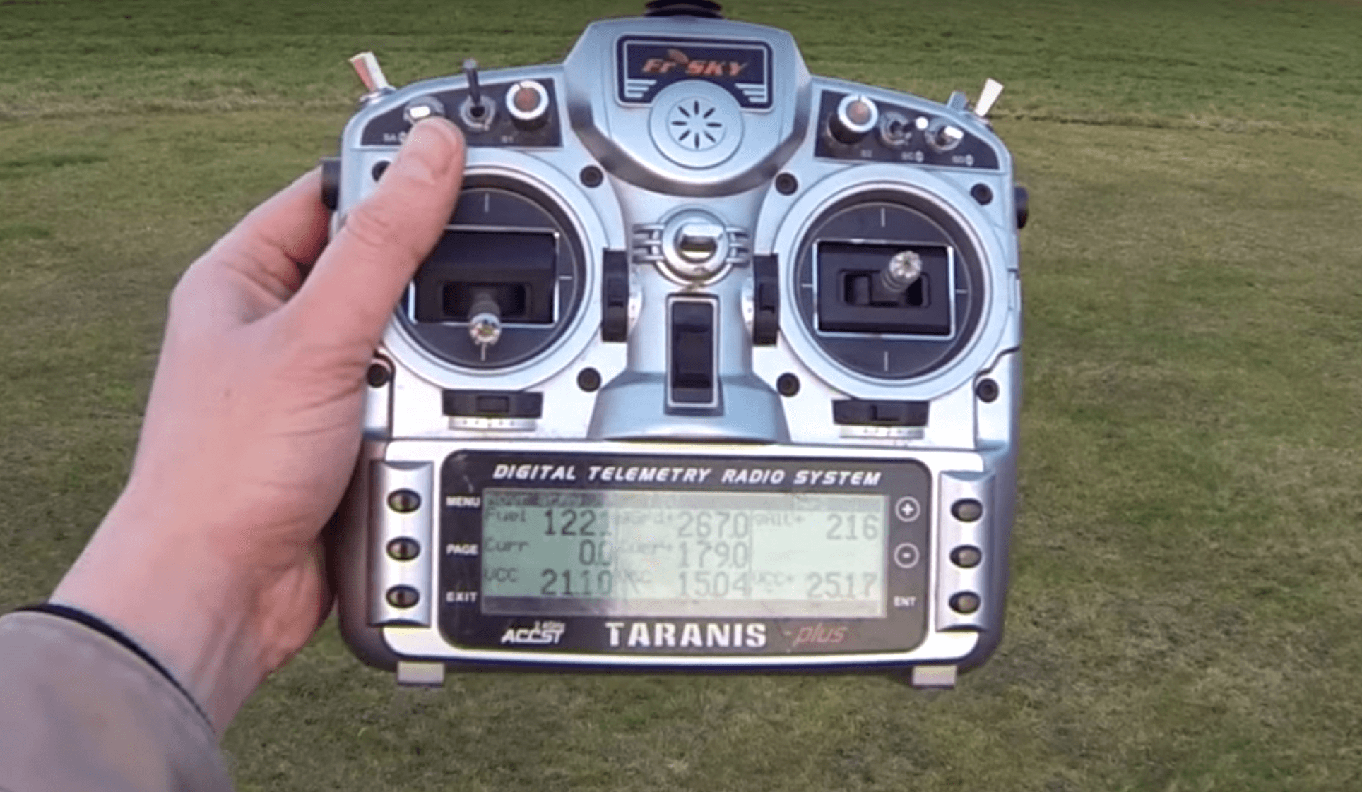 Quadmovr FrSky Taranis X9D Radio Funke FPV Racing Drone Drohne FPVRacingDrone Weltrekord World record Speed Schnellste Drohne der Welt