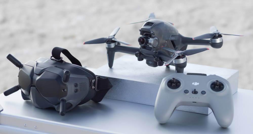DJI FPV Drohne, FPV Brille und Funkfernbedienung